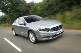 Volvo S60, front