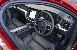 Volvo S60, 2019, interior