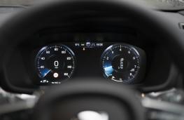 Volvo S60, 2019, instrument panel