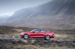 Volvo S60, 2019, side, action