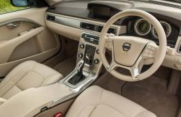 Volvo S80, interior