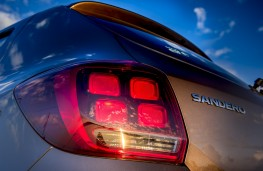 Dacia Sandero, 2017, rear lights