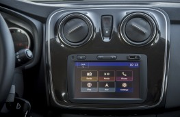 Dacia Sandero, 2017, display screen