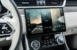 Jaguar XF Sportbrake, 2021, display screen