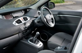 Renault Scenic interior front