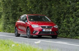 SEAT Ibiza FR, front action 2