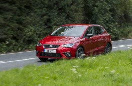 SEAT Ibiza FR, front action 3