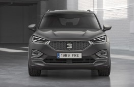 SEAT Tarraco FR PHEV head-on