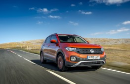 Volkswagen T-Cross SE, 2019, front, action