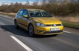 Volkswagen Golf SE, 2017, front, action