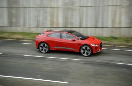 Jaguar I-PACE, 2017, side