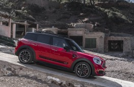 MINI John Cooper Works Countryman, 2017, side