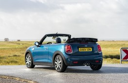 MINI Convertible Sidewalk Edition, 2020, rear