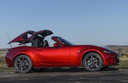 Mazda MX-5 RF, 2017, roof retraction 1