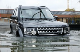 Land Rover Discovery, 2014, wading