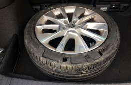 Skoda Karoq, blown out tyre