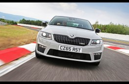 Skoda Octavia vRS 230, full front action