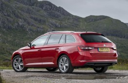 Skoda Superb, estate rear static