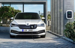 Skoda Superb iV home charging