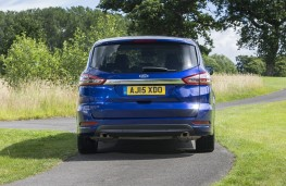 Ford S-MAX, back