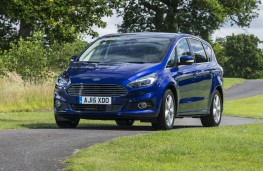 Ford S-MAX, front