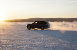 Range Rover Sport SVR, sprint test, snow, side
