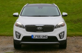 Kia Sorento, 2016, head on