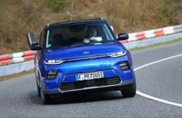 Kia Soul EV, 2019, nose, action