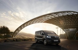 Renault Trafic SpaceClass, 2017, front
