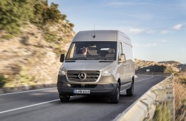 Mercedes-Benz Sprinter, 2018, front