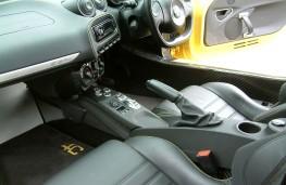 Alfa Romeo 4C Spider, front seats