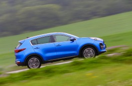 Kia Sportage GT-Line S, 2018, side, action