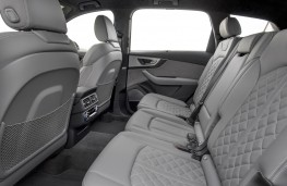 Audi SQ7, rear seats