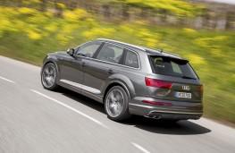 Audi SQ7, side