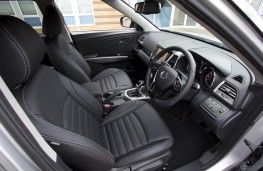SsangYong Tivoli Ultimate cockpit