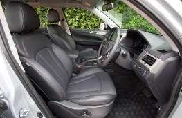 SsangYong Musso, front seats