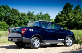 SsangYong Musso, rear offroad