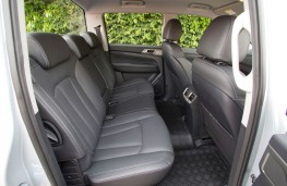 SsangYong Musso, rear seats
