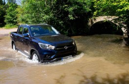 SsangYong Musso Rebel wading