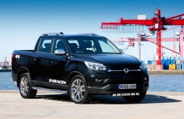 SsangYong Musso Saracen front threequarter