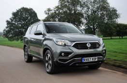 SsangYong Rexton, front action 2