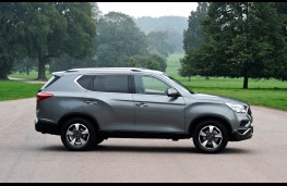 SsangYong Rexton, side static