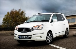Ssangyong Turismo ELX special edition front