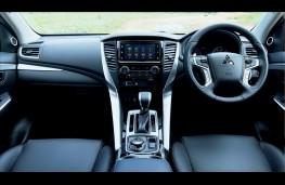 Mitsubishi Shogun Sport, 2018, interior