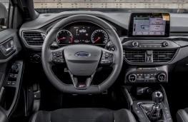 Ford Focus ST, 2019, dashboard