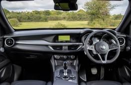 Alfa Romeo Stelvio, 2017, dashboard