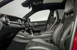 Alfa Romeo Stelvio Quadrifoglio, 2018, front seats