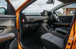 Dacia Sandero Stepway, 2021, cockpit