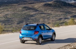 Dacia Sandero Stepway, 2017, rear