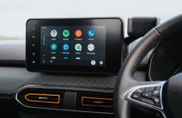 Dacia Sandero Stepway, 2021, display screen